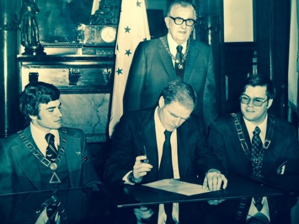 Signing of a DeMolay proclamation by NJ Governor Brendon Byrne