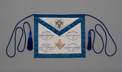 Masonic apron from 1911